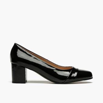 Parisian Ladies Plus Paige Pumps (Black)