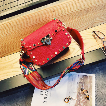 Small Square wide shoulder strap mini bag shoulder bag (Red)