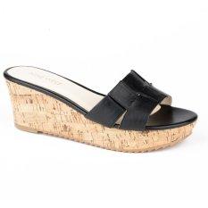 Nine West NWCOOKIES Wedge Sandals (Black)