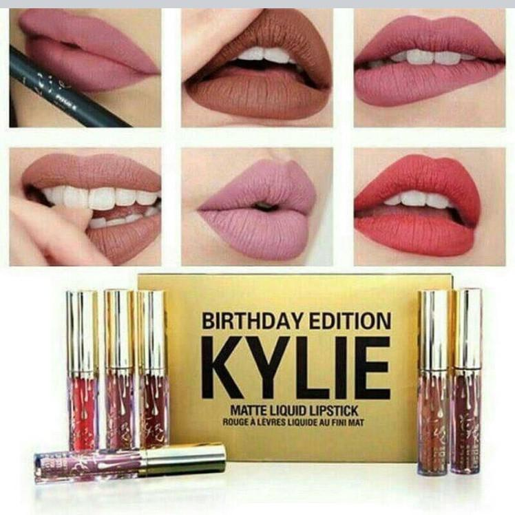 Buy one get one free lipstick set ( 12 pieces )