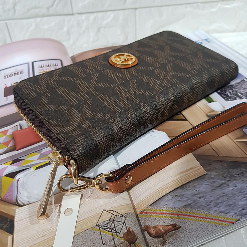3f4365444e4a Michael Kors Jet Set Travel Tech Continental Logo Wallet Wristlet - Black