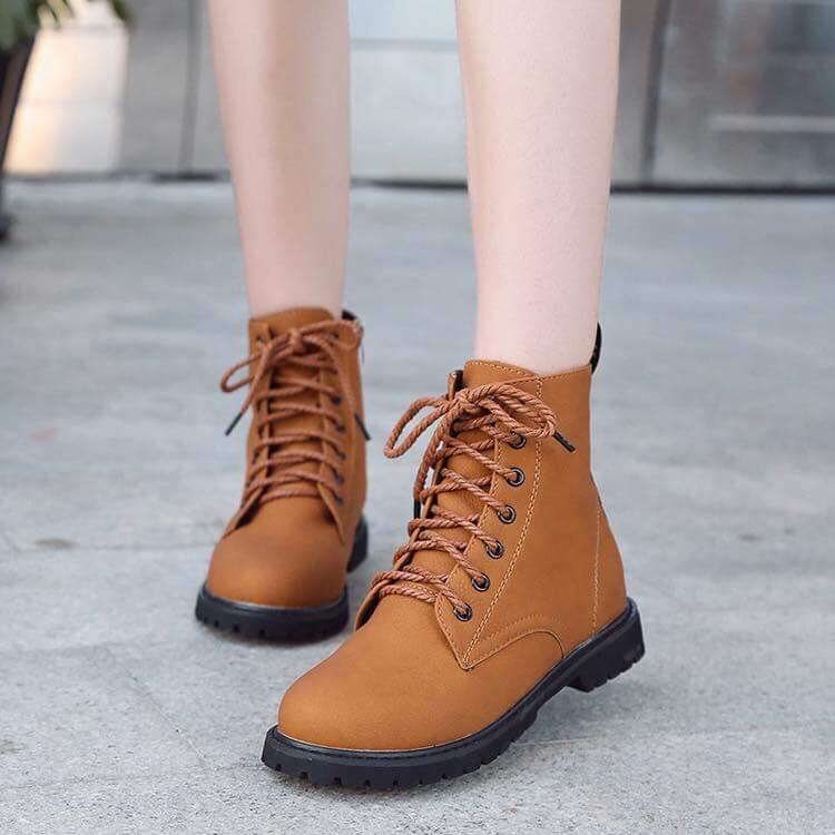 Leather Round Toe High Cut Lace Up Fashion Boots