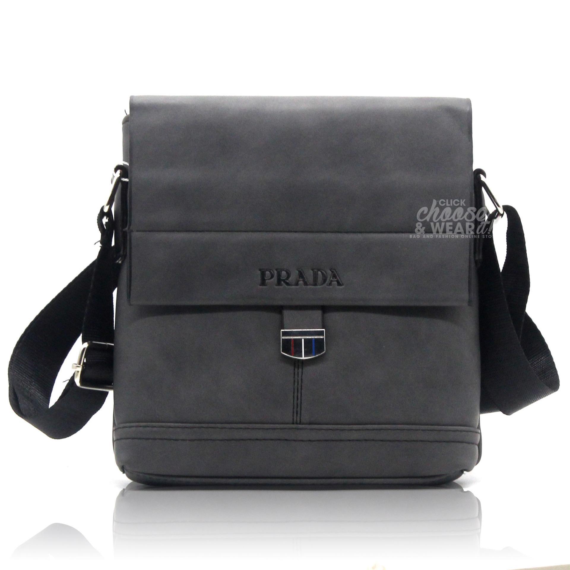 4e1c58f9b1a9 ... germany prada magnetic closure crossbody messenger bag adjustable strap  black d86d3 f665d