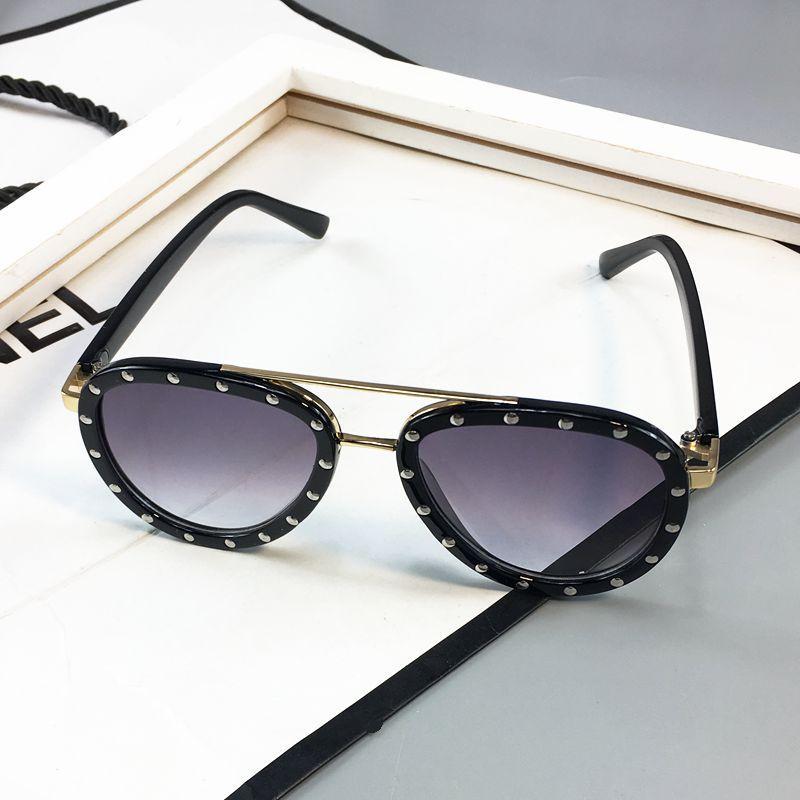f1234ce4d5e9 Baby South Korea Kids Rivet Sun Glasses boy men Cool College Style  Sunglasses Children girl women