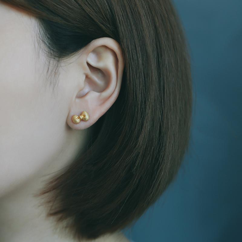 aa733577d Yinbenjia Originality Hello Kitty Bow 925 Sterling Gold Plated Ear Stud  Sweet Japan Light Jewelry Earrings