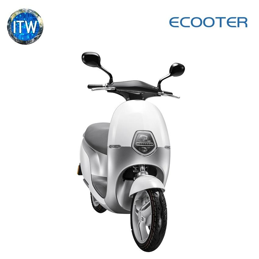 ECOOTER 2500W Electric Scooter with Battery and Charging kit