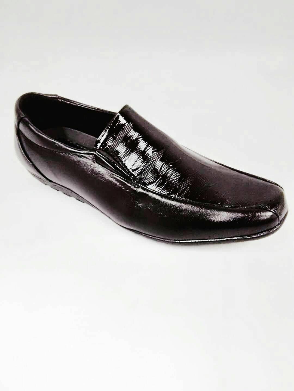 d058312cef7d9 clarks shoes philippines - Style Guru  Fashion