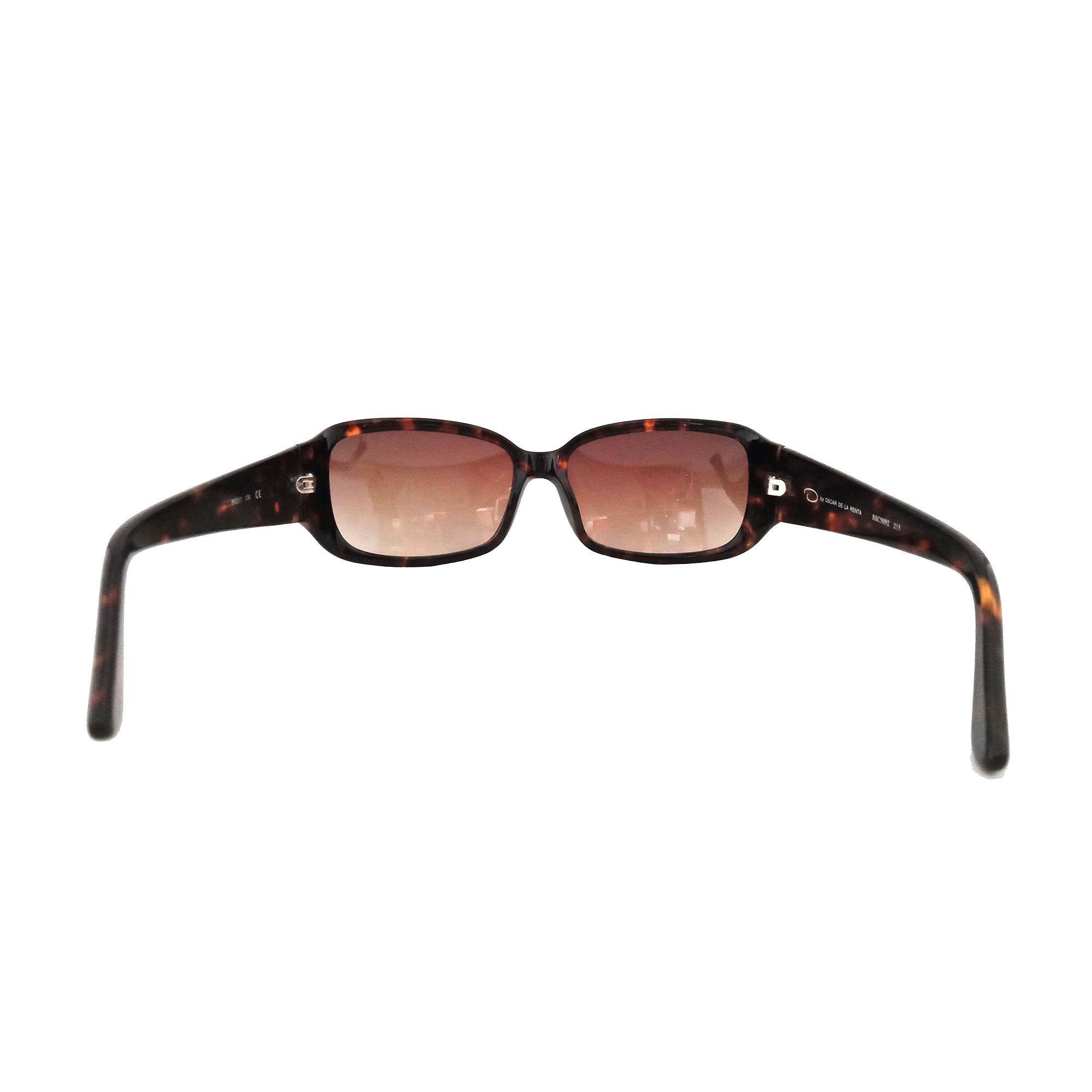 397523180877 Oscar De La Renta Eyewear Women's Rectangular Sunglasses (Burgundy)