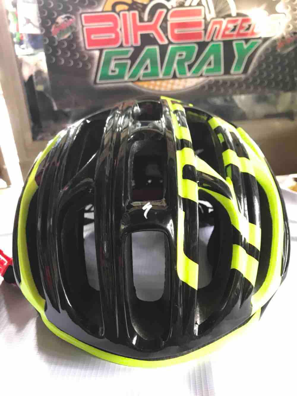 Oakley Bike Helmet Aro7   Ash Cycles 977c38e58f