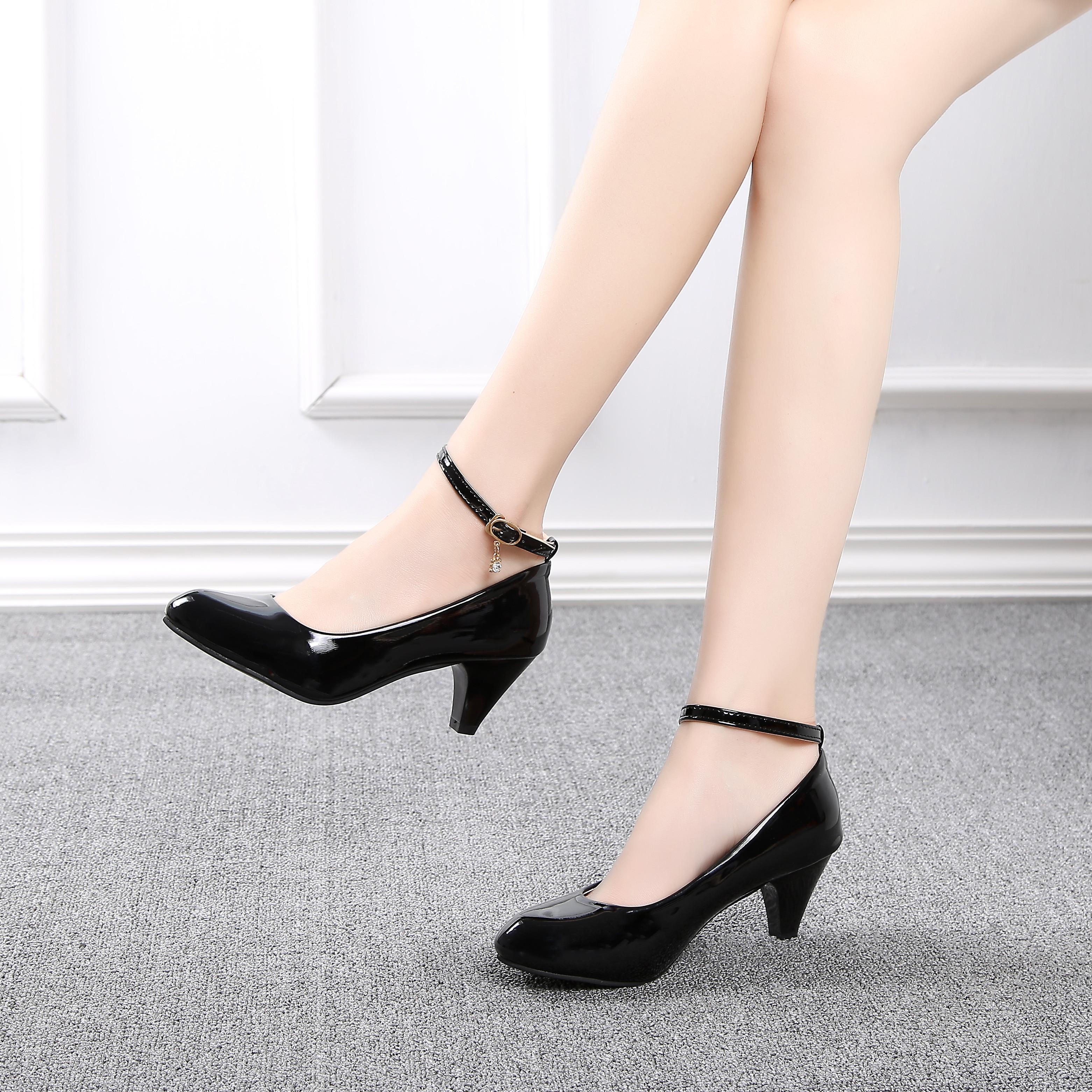 b7e1d6bb2e1 Work Shoes women Black Wrist Strap Block Heel Semi-high Heeled Low Heel  Vocational Interview