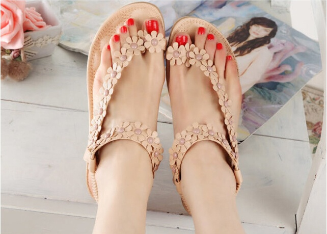 3d5db3b0e7eb Gender  Women Style  Sandals Color  As the picture show. Fastening  Slip  on. Decorate  Flower
