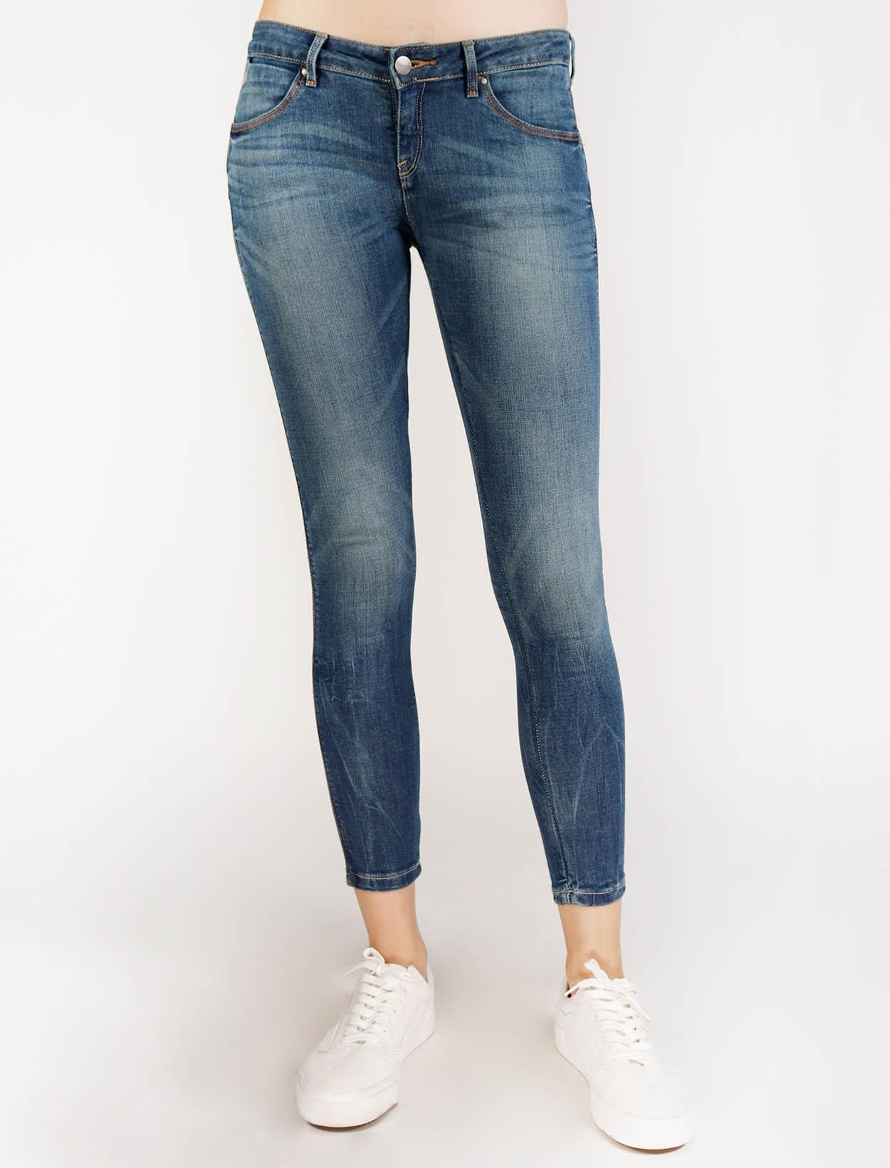 bebc1ca2 Wrangler Basic Five Pocket Low Rise Skinny Jeans in Medium Wash with  Organic Cotton Eco Sensitive