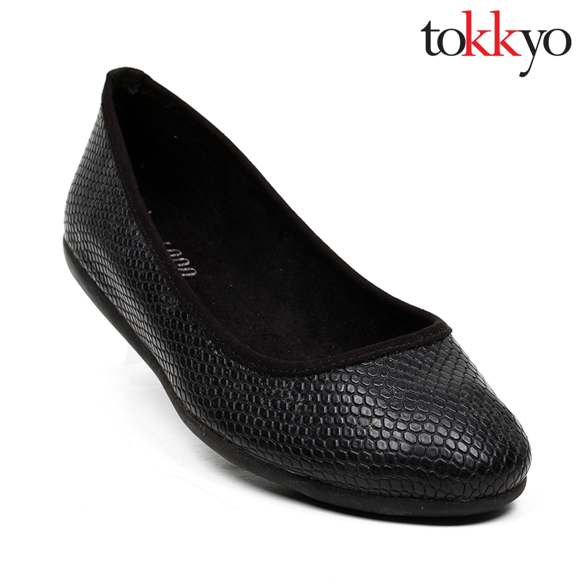 Tokkyo Women's Aster Ballet Flats (Black Glossy Rough)