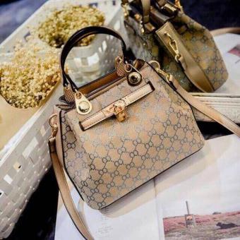 Gucci Sling Bag Hand Bag Unique Style