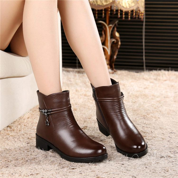 Winter Warm Leather Shoes Anti-slip women Ankle Boots Semi-high Heeled Short plus