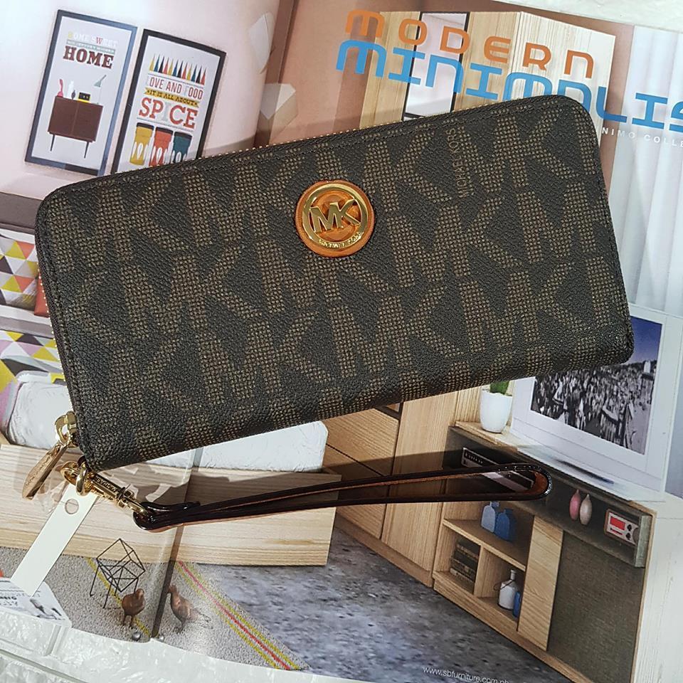 d0a5e99eaa72 Wallet - Black Michael Kors Jet Set Travel Tech Continental Logo Wallet  Wristlet