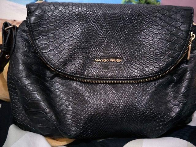 Mango sling bag ( black snake)