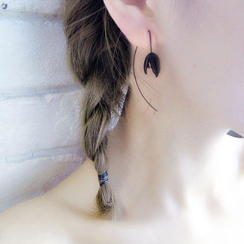 Sketch Goethe Wind Black Bud Long Earrings South Korea Elegant Cool Ear Stud Earring Decorations Women