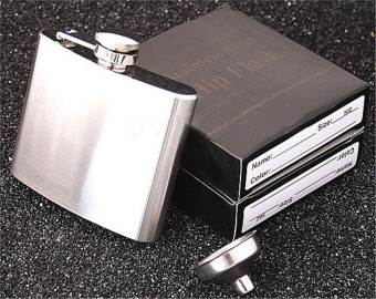 Yika 5oz Stainless Steel Alcohol Whiskey Liquor Flagon Pocket HipFlask With Funnel (Silver)