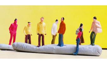 100pcs Painted Model Train People Figures Scale TT (1 to 100) - 5