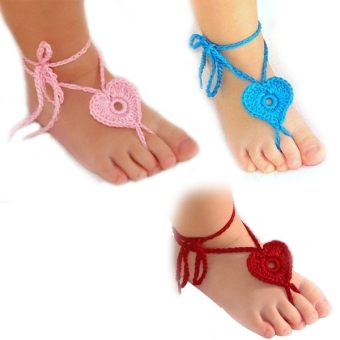 3 Pairs of Newborn Baby Infant Girls Handmade Knit Heart Shaped Barefoot Sandals Photograph Props (Red & Pink & Blue)