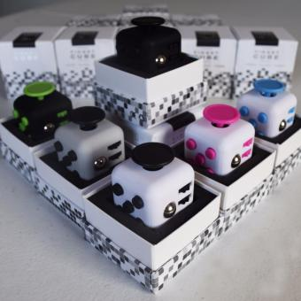 Fidget Cube High Quality (white -pink)