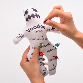Voodoo Doll Revenge Spell with 7 Skull Pins - intl - 4