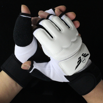 For men and women training sandbag Taekwondo hand boxing gloves