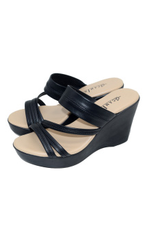 Camino Slides Wedge Sandals (Black)
