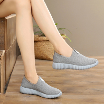 Casual soft bottom flat New style running shoes Shoes (Gray)