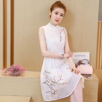 Chinese-style retro embroidered cheongsam collar plate buttons waist hugging vest dress (White)
