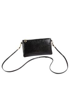 Crocodile pattern patent leather clutch bag (Black)