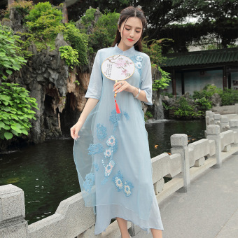 Debutante retro beads style embroidered flowers improved Cheongsam (Light blue)