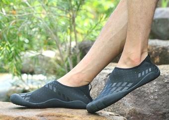 Hiking Shoes Outdoor 5 Five Fingered Toes Sneakers Men Climbing Camping Trekking Outdoors Waterproof Fishing - intl - 3