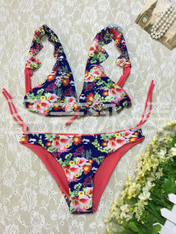 Hot Spring European and American lotus leaf lace shoulder bikini