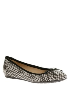 Hush Puppies Emmy Hailey Flat Shoes (Black/White Straw)