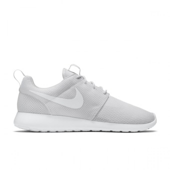Harga NIKE ROSHE ONE MEN WHITE - intl