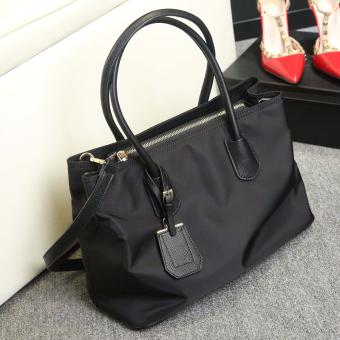 New style female handbag bag (Black)