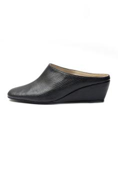 Ohrelle Olive Slip-On Wedge (Black) - 4