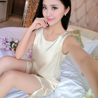 Sexy silk women's short sleeved tracksuit pajamas (1618 suit champagne color)