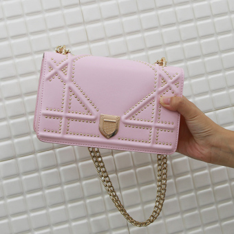 Small Square in Europe and America riveted bag lock shoulder bag (Pink)