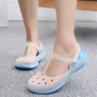 Solid color thick bottomed jelly sandals porous shoes (Malizhen-sky blue)