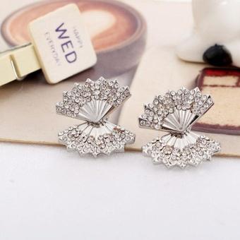 1 Pair Fashion Women Lady Elegant Crystal Rhinestone Shell Ear Stud Earrings Charms Jewelry (silver) - intl - 2