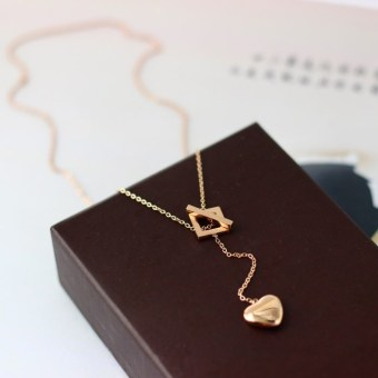 18k European and American plated rose gold heart-shaped necklace titanium steel jewelry