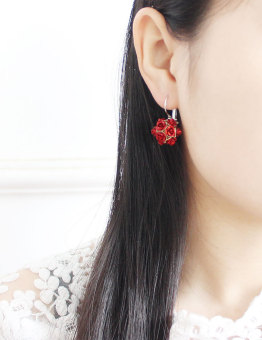 2pcs Flower Stereoscopic Rose earrings red - 2