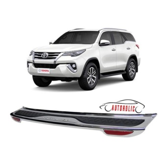 Rear Bumper Guard with Reflector for Toyota Fortuner 2016-2017