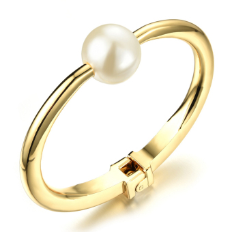 1,246.06Richapex Smooth Shell Pearl Copper 18k Gold Plated Personality Openning Charm Bangle Bracelet - Intl
