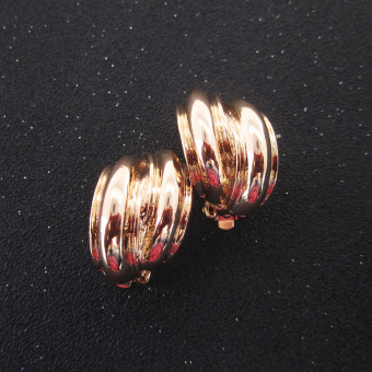 Vintage European and American gold glossy retro ear clip