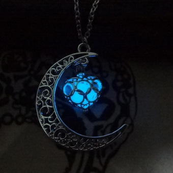 Women Love Pendant Necklace Moon and Heart Pattern Fashion Jewellery Accessories (Deep Blue) - 3