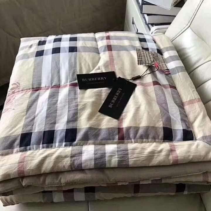 New Comforter Plaid Stripe Style Brand Fashion Bedding Pure Cotton Simple  Soft Beige Logo Design Gumot Bed King Size 200*230CM
